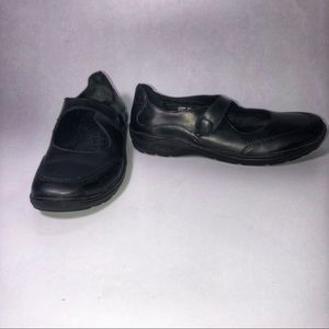 L.L. Bean Leather Mary Jane Moccasin 8.5B